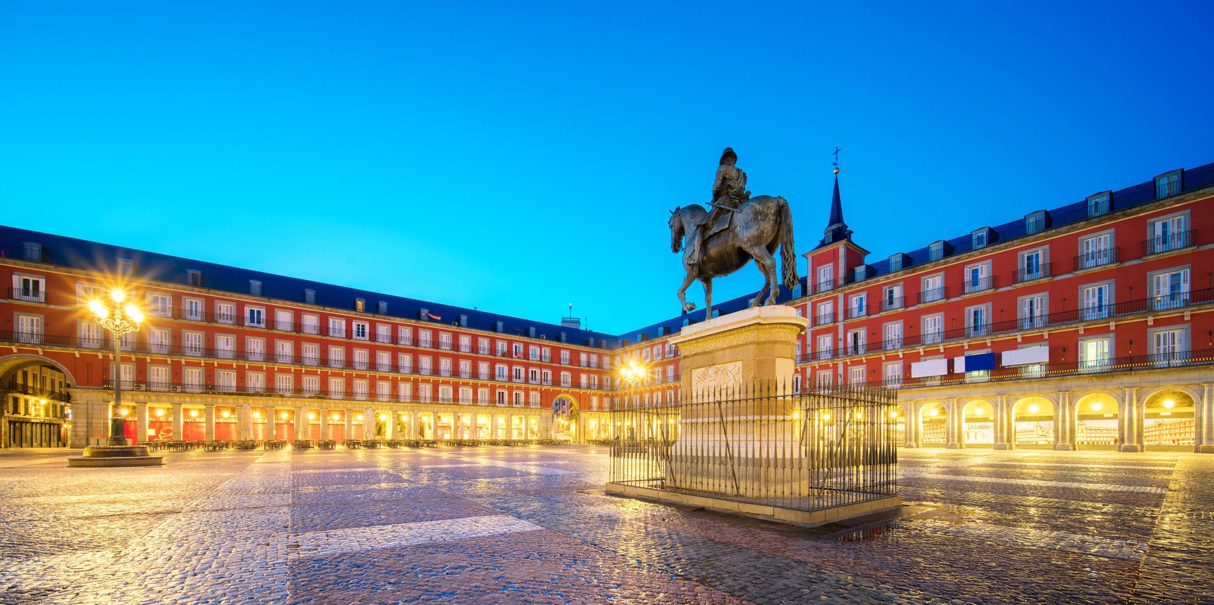 Plaza Mayor (morning light)