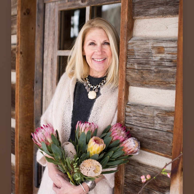 stnw mission - My mission is to add beautiful value to your life, holiday design, photo shoots, interiors or styling your business. Let's talk about styling your next project…..Meet Jill King