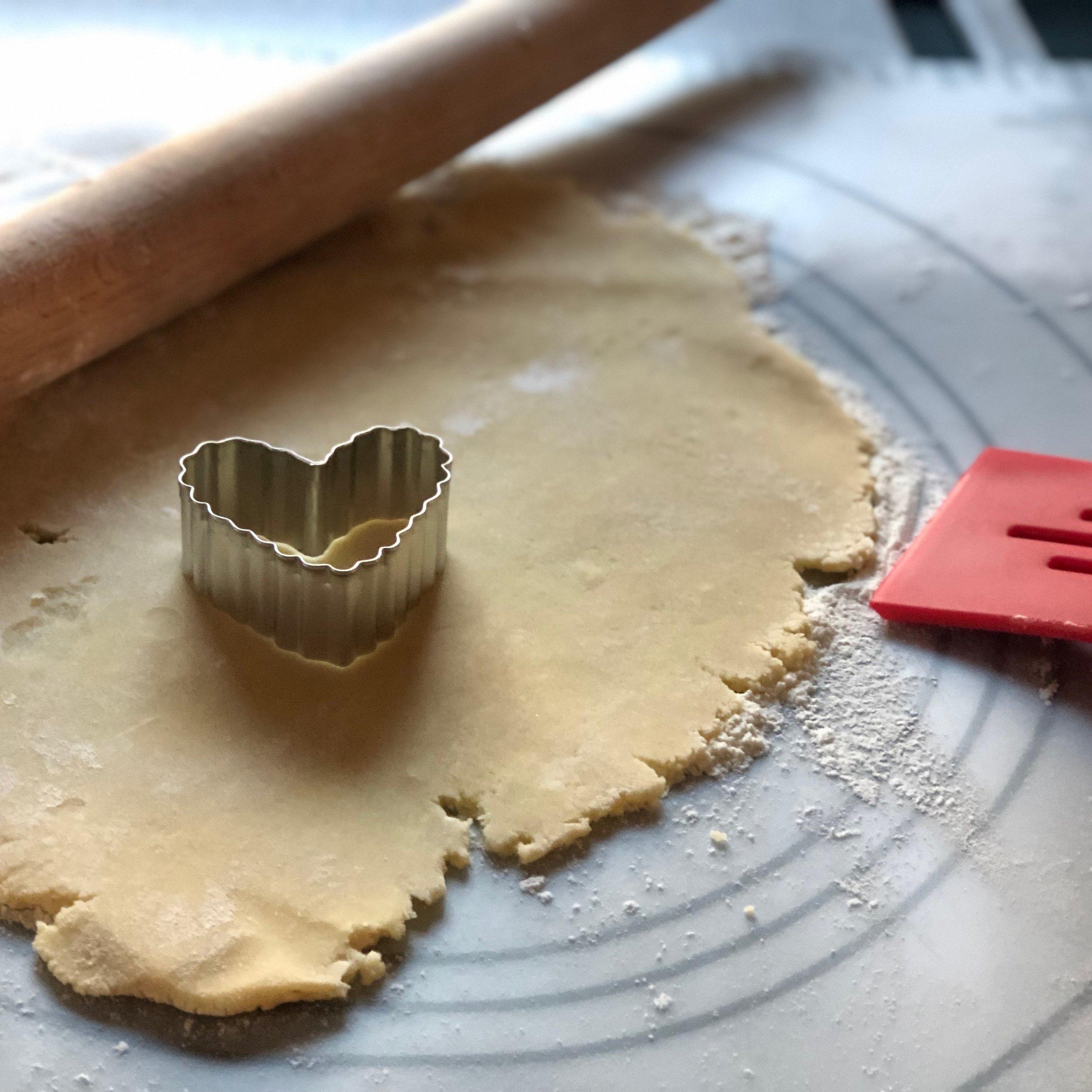 Stylingthenewwestvalentinessugarcookies.JPG