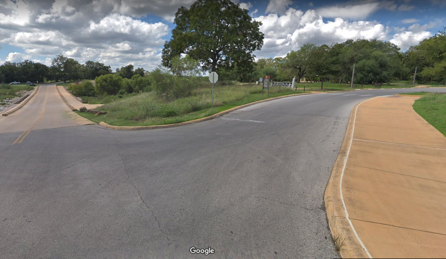 Entrance to Acequia Park from Mission Pkwy (Photo: Google Streetview)