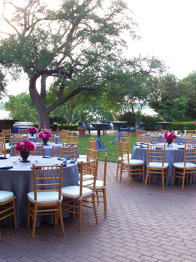 wedding buffet seating with head table