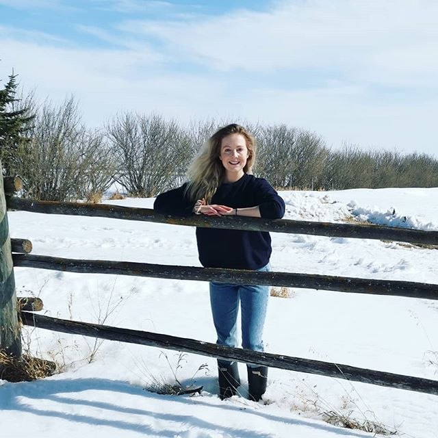 💙Hi there! I'm Casey, & I'm so glad you're here. I am a creative nonfiction writer, the editor of The Sask Press, & the founder of Awakened Freedom.💙 • 🧘‍♀️I help conscious creators just like you rise into your full potential as a writer. • 📚Growing up, I was that girl with the backpack full of books, a spot as the yearbook editor, & the vice presidency of student council. • 🌻When I was twelve, I decided I would move to Saskatoon to attend the University of Saskatchewan after high school, & that's where I earned degrees in pharmacy and physiology + pharmacology. • ✍️It was during my early university years that I realized my true potential as a writer. I found that being a writer was a central part of who I was; it was a mediation of my heart, my soul's calling. • 📰I went on to write for the university newspaper while I attended school. Unexpected life circumstances catalyzed the powerful unearthing of limiting narratives. I began to understand the importance of living a life aligned with faith & embedded in purpose. • 🙏It was then that I realized how vital it was to bravely rise into the truest version of myself… so I continued to delve into the craft of writing. • 🌺In 2012, I was hired as the editor, writer, & researcher for our local municipality's history book. This opportunity presented one of the most fulfilling work experiences I've ever had. • 👩‍⚕️On the other end of the spectrum, my experience as a pharmacist has empowered me to support & establish rapport with individuals from all walks of life. • 🌾The world of health care has propelled me to connect & communicate with people from all over the world, which has proven to be incredibly valuable in the creation of targeted messaging. • 🌌I know your audience is waiting to receive your words, & I am here to guide you when you are ready. • The question is: Are you ready to go where you're destined to go? • 💙🌾💫🌿🧘‍♀️🌎🌻🙏💙