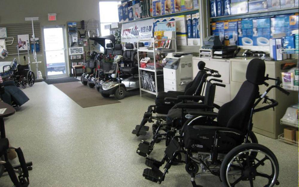 manual_wheelchair.jpg