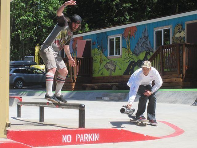 Lance Normine skating street