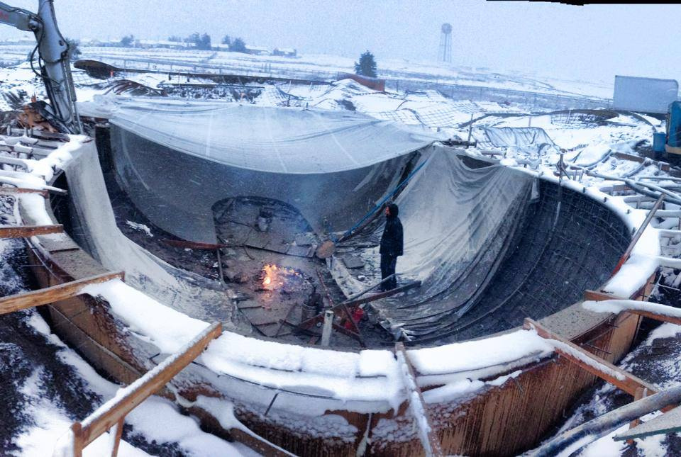 Big O Capsule construction - not even the snow can stop us