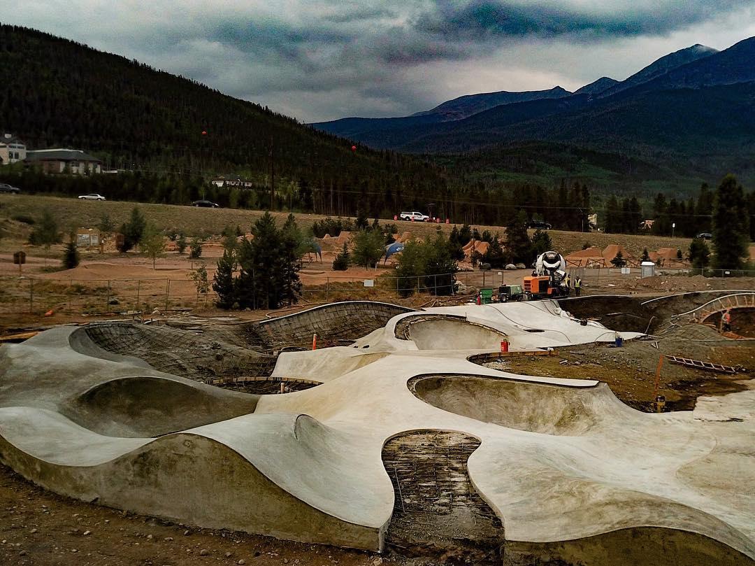 Curves 〰️ Frisco, Colorado 🏔