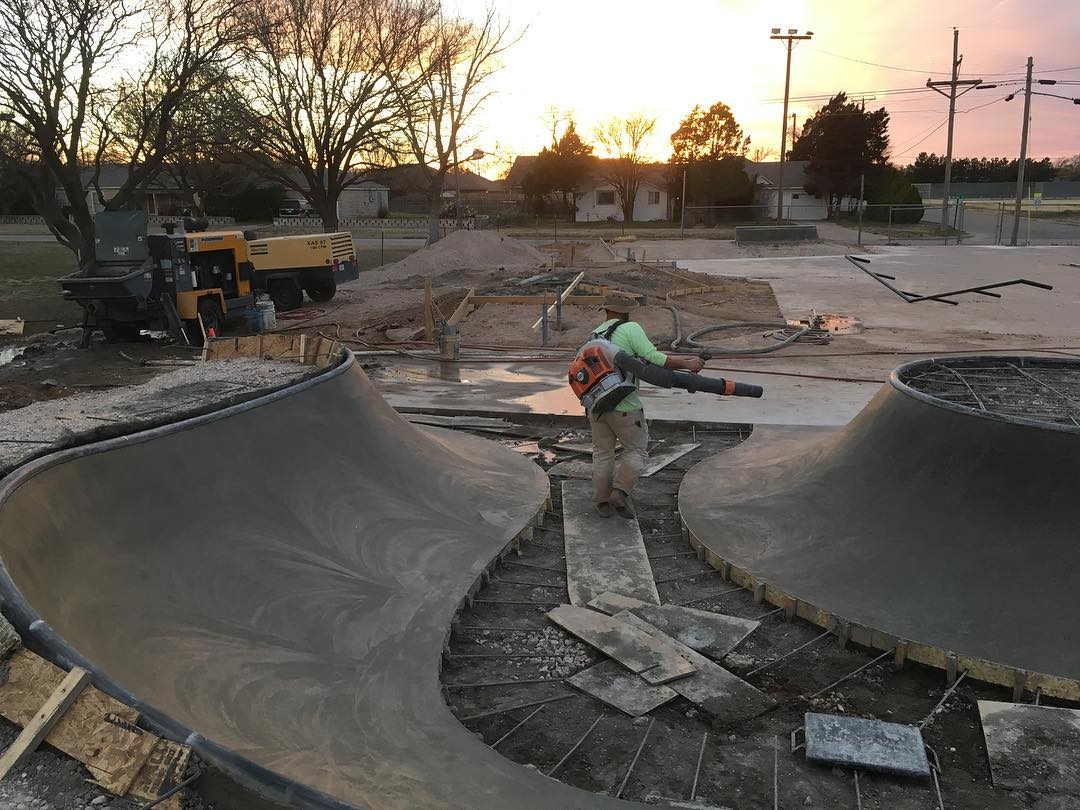 Skatepark construction continues in the lone star ⭐️ state. Idalou, Texas.