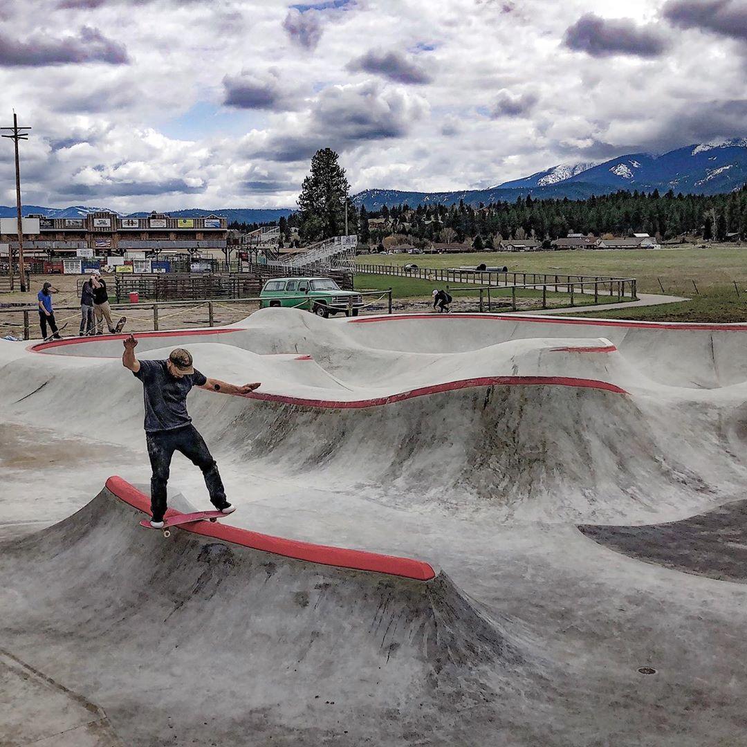 The Darby, Montana skatepark got a nice little addition courtesy of @mtskateparkassociation 🙌🏽