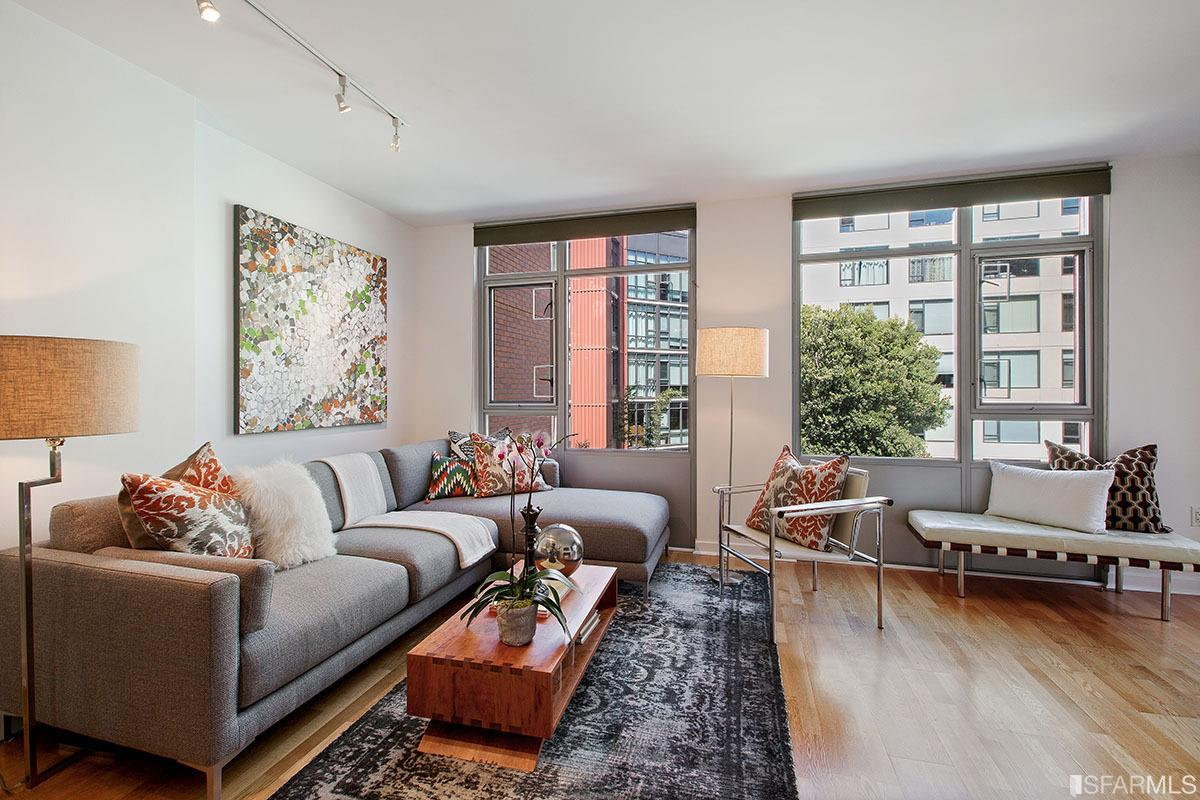 170 King Street #602  2 Bed | 2 bath | Sold for $1,050,000