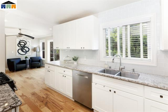 6371 Sunnymere Avenue, Oakland  4 Bed | 3 bath | Sold for $785,000