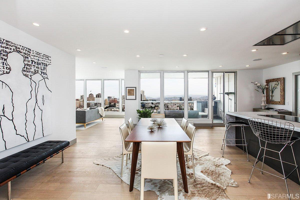 1070 Green Street, #1402  3 Bed | 2.5 bath | Sold for $3,550,000