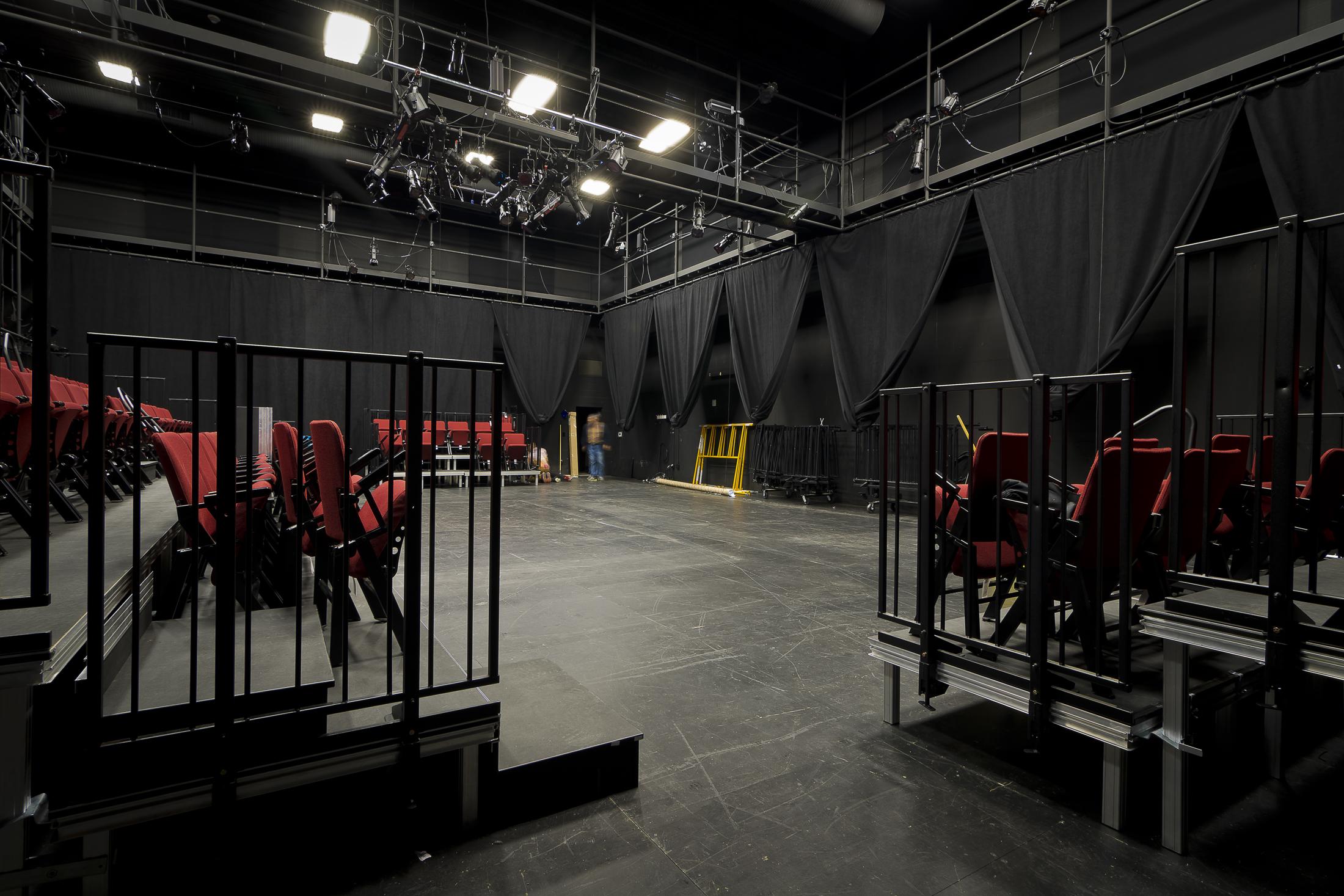 Hattiloo Theatre_INT-10.jpg