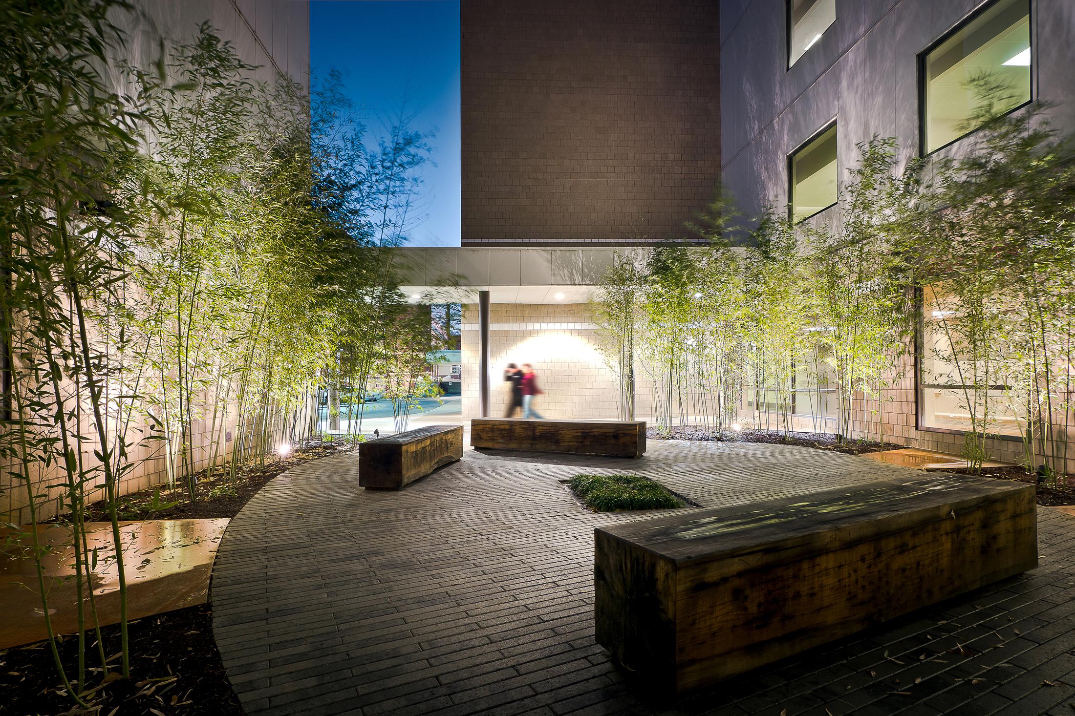 Regional One Health_courtyard-13.jpg