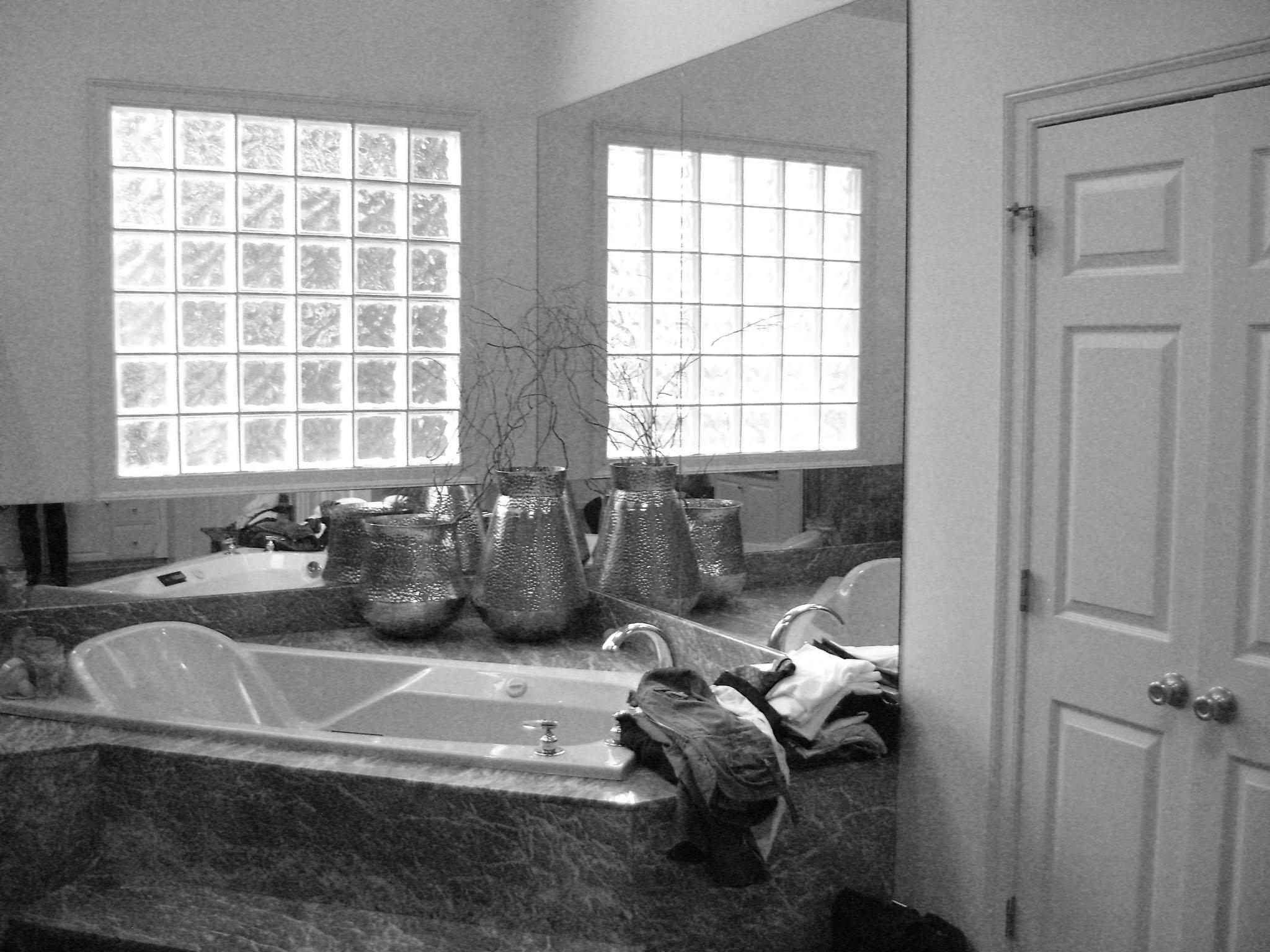 bath1-bw.jpg