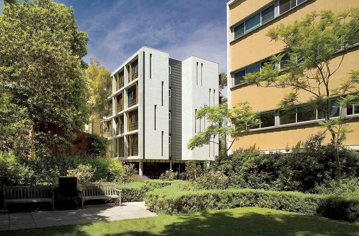 IH_Melbourne_Dimmick_Courtyard.jpg