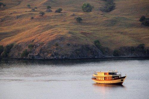 UY_Burma_yachts_Mischief.jpg