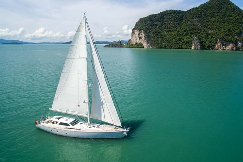 UY_Burma_yachts_Silver Lining.jpg