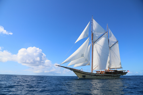 UY_Burma_yachts_Lamima.png