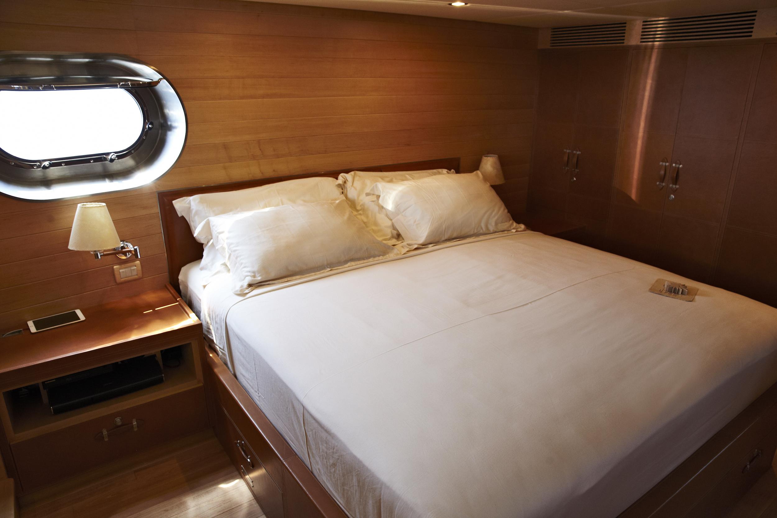 008-SA-Soneva_in_Aqua_Guest_bedroom_by_Michael_Doster.jpg