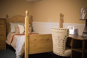 Cottage-downstairs-desk.jpg