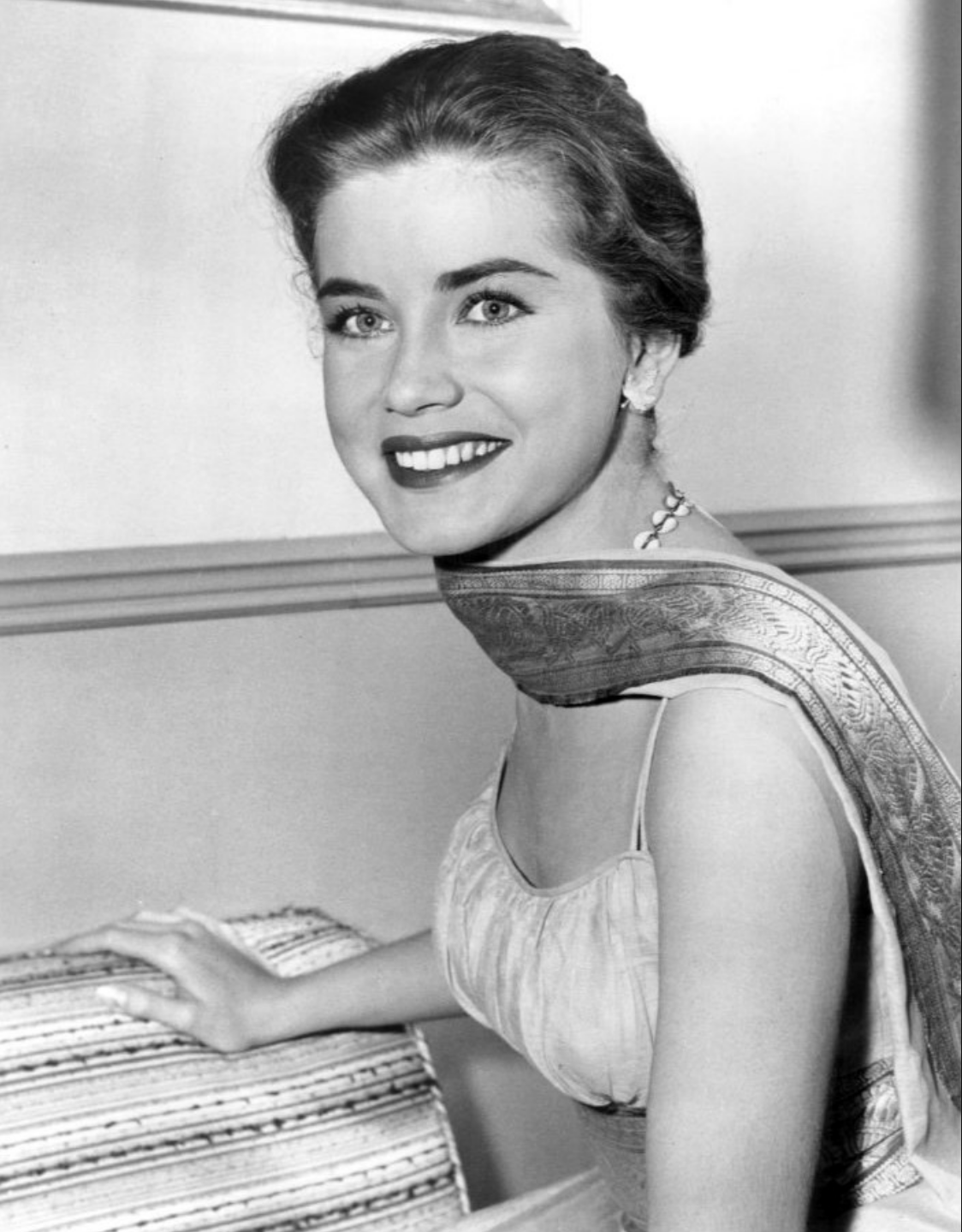 Dolores Hart (Wikicommons, CBS Television)