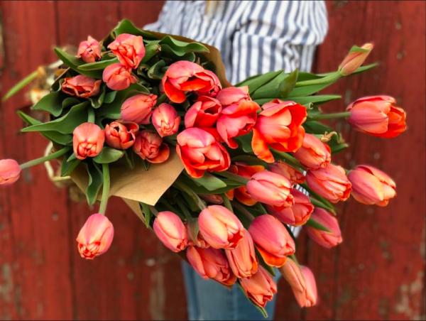 (Kat Mullendore of Willrett Flower Co.)