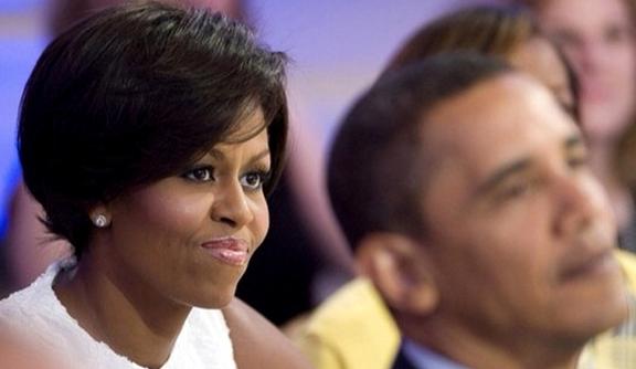 Vogue Italia - Seconda Lezione on Extensions - In esclusiva per Vogue.it, l'hairdresser personale di Michelle Obama ci svela alcuni segreti sull'arte del taglio (con extensions)http://www.vogue.it/vogue-black/beauty/2010/08/johnny-wright-on-extensions