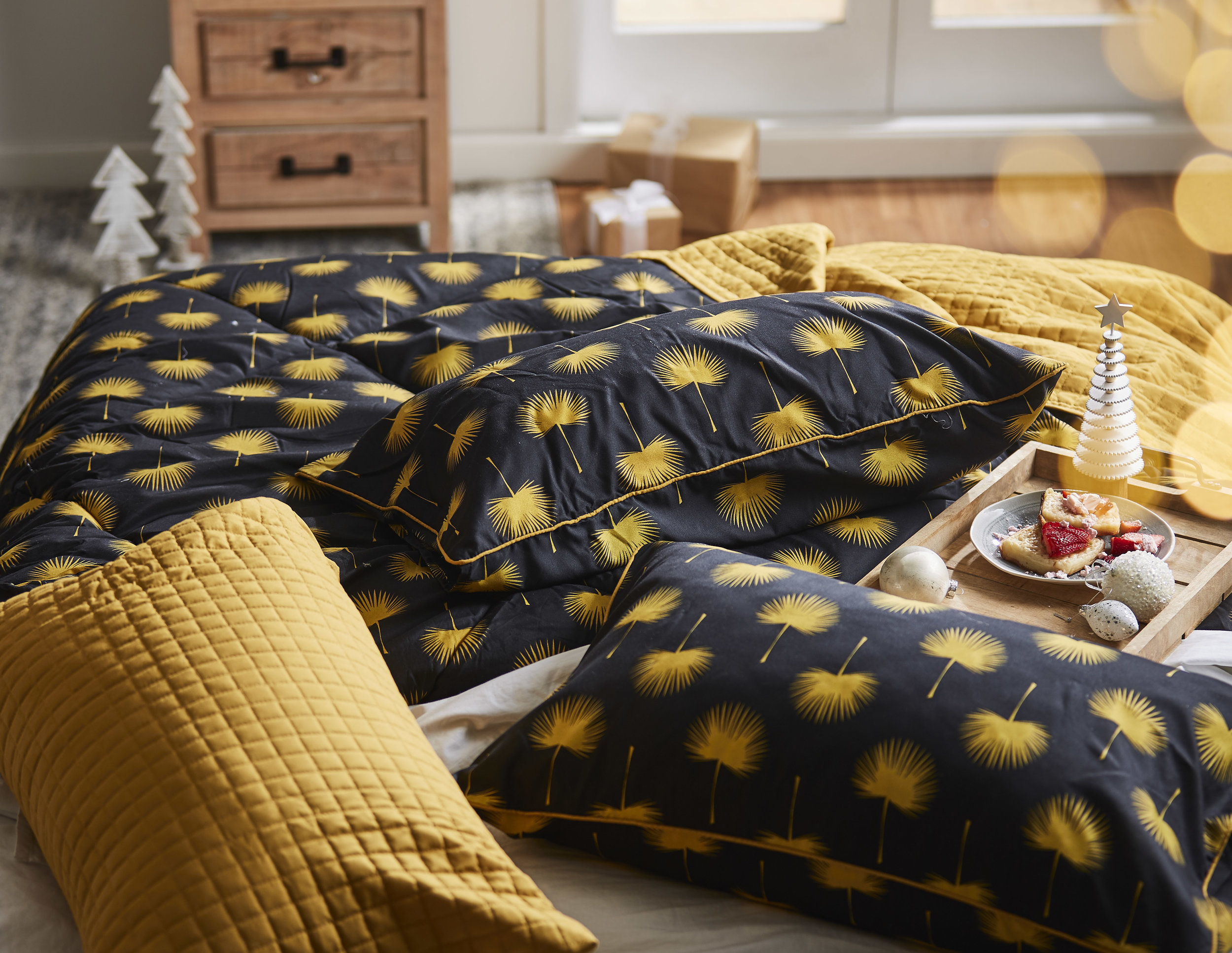 1075638001_Comforter_Set_GAL_Gold_Palm_Multi_QN.jpg