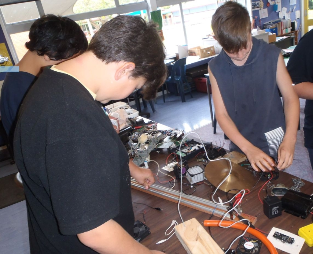 Team Tasi_electronics.jpg