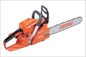 CS.450 Rear Handle Chainsaw - This mid-size robust chainsaw is ideal for landowners. It features a powerful 45cc engine and a large heavy duty air filter for longer service life of the engine. Built for longer operation with anti-vibration cushions on rear handle for increased operator comfort and a large heavy duty filter for longer engine life.