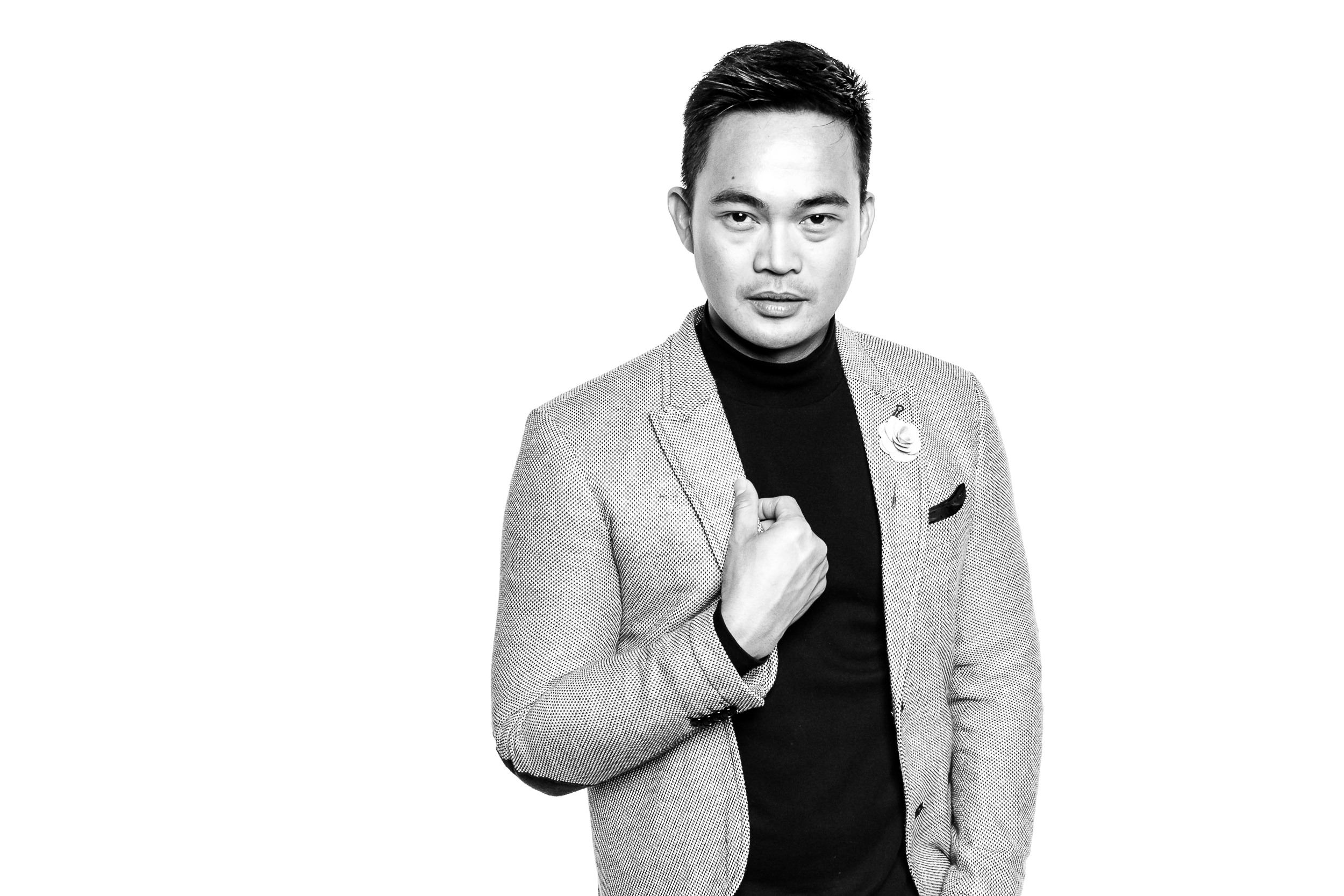luxury black and white portrait photo booth.jpg