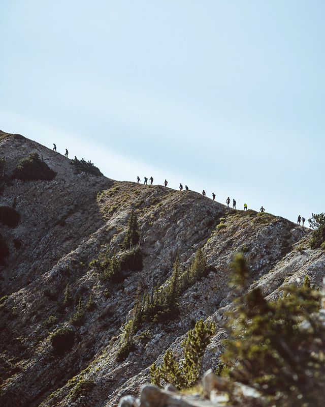 Today couldn't have happened w/out incredible support from our amazing volunteers, safety support, staff, venue, sponsors.. Thank you all! What a day. Congrats @sethjamesdemoor @morganarritola PC: @fearnowka @thepandolphin #pushpeaks #cirqueseries #onrunning #blackdiamond