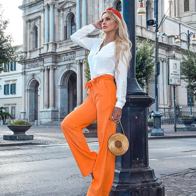 Summer Campaign + Design of the Week Connect Blouse - 69€ Martha Hose - 119€ FREE shipping FREE pair of Gold Grass Earrings  #fashion #deutschland #pants #orangepants #linenpant #linenclothing #cottonblouse #whiteblouse #roseblouse #angebot #boutique #onlineshopping