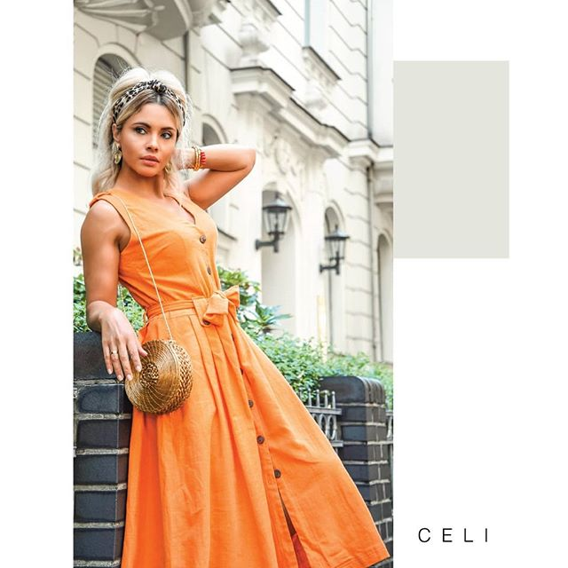Feel the heat?🔥CELI Linen Dress is the perfect Outfit for this season.💥 - ✨Linen in the form of easy, breezy dresses, remains a big trend.💃 The best part?👌 It actually looks good with wrinkles, so you don't have to fumble with a steamer when it's equally steamy outside.💦 Design of the Week 📱 in @celi.fashion _ _ _ _ 20% OFF 📣 From 179€ to 143,20€  www.alineceli.com 🔸#alineceli  New Collection-  link in bio @celi.fashion (📸:@suzy_edward ) . . . . . . #linen #vintagefashion #summertime #retro #gettingready #outfitoftheday #lookoftheday #luxurylifestyle #bossbabe #bosslady #entrepreneurlife #startup #businessowner #classic #orange #goldengrass #capimdourado #fresh #tannedblonde #suzyedward