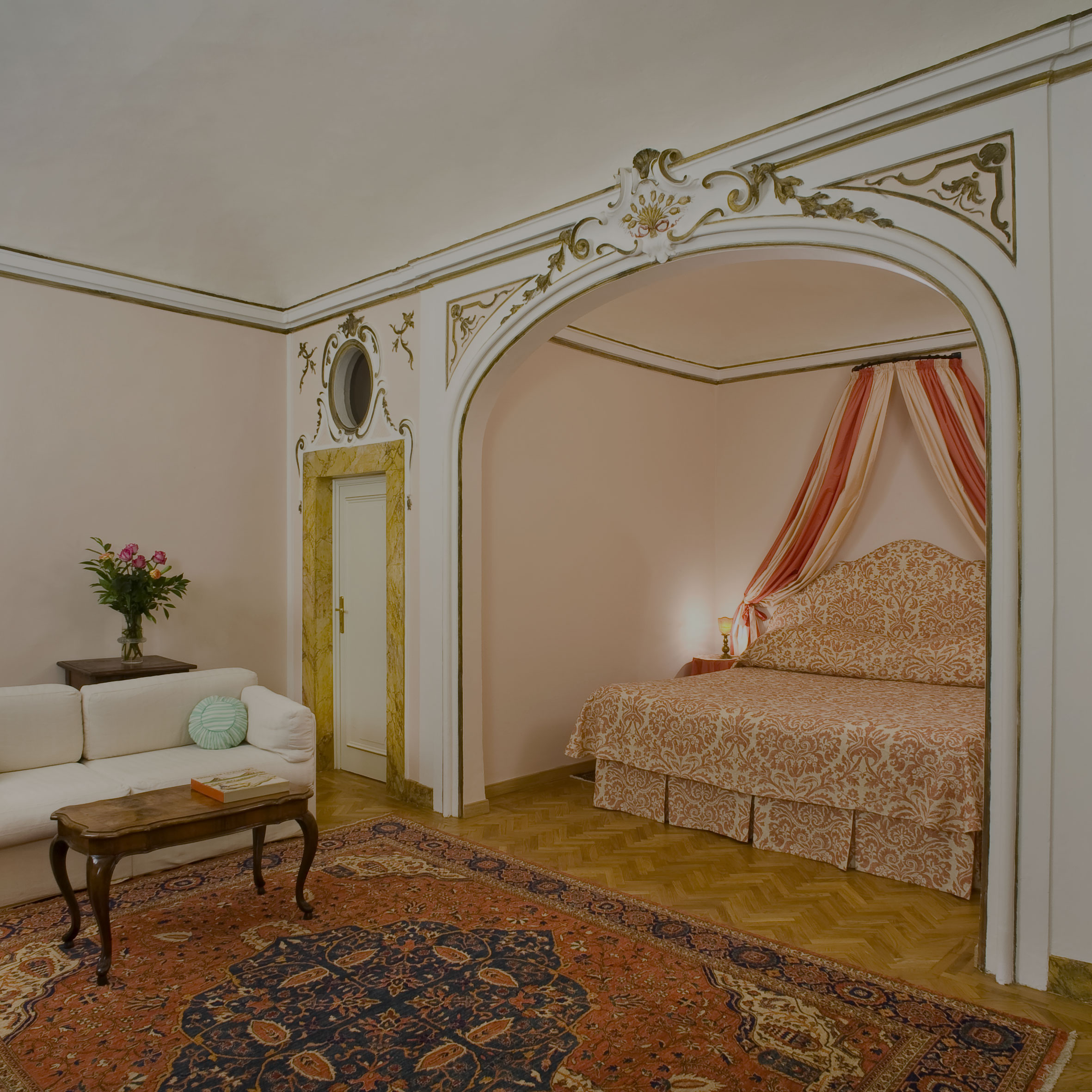 Florence Apartments -