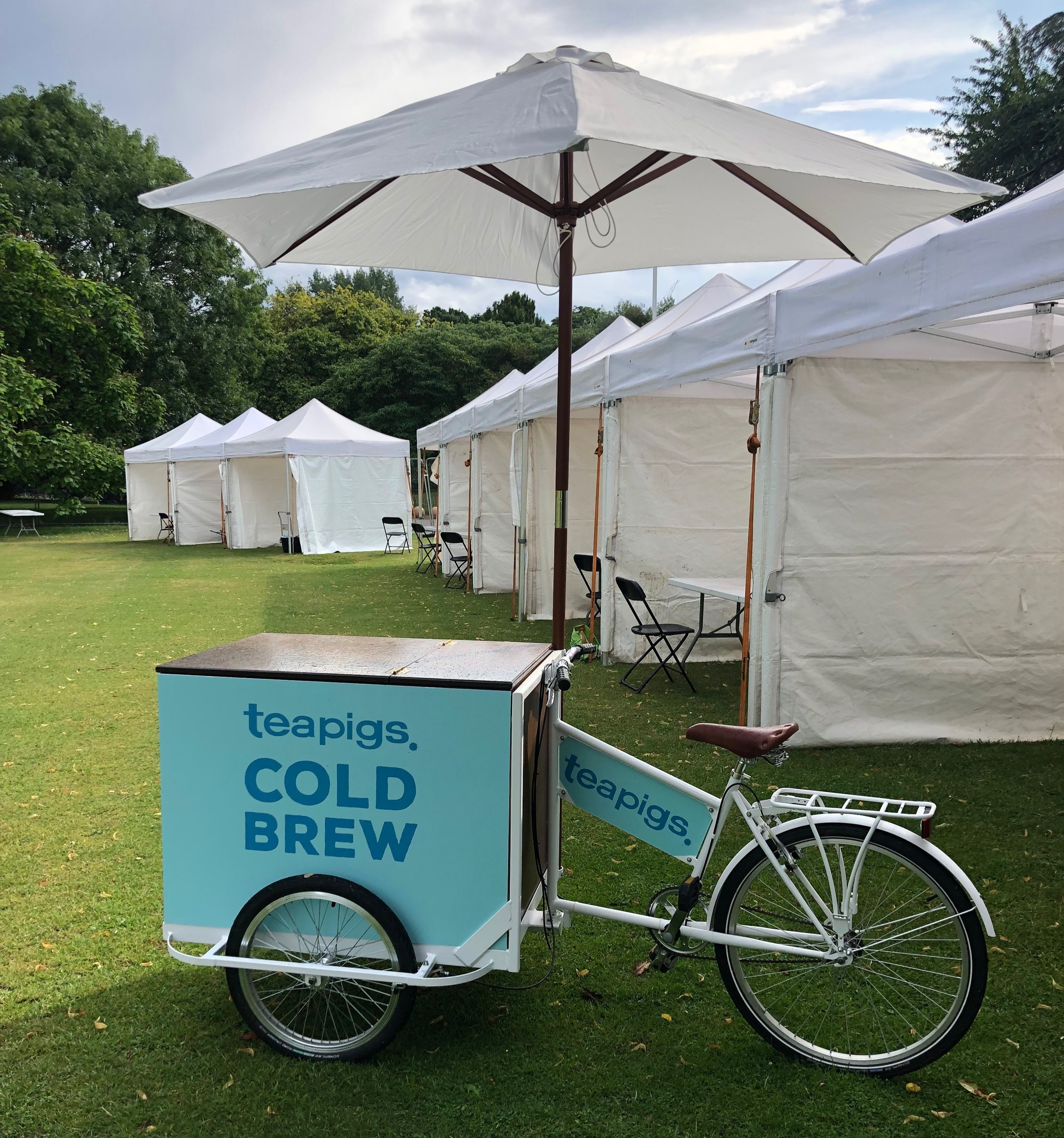 Quirky+Group+Branded+Tricycle+Bar+for+Hire+-+Teapigs+branded+at+Wanderlust+festival
