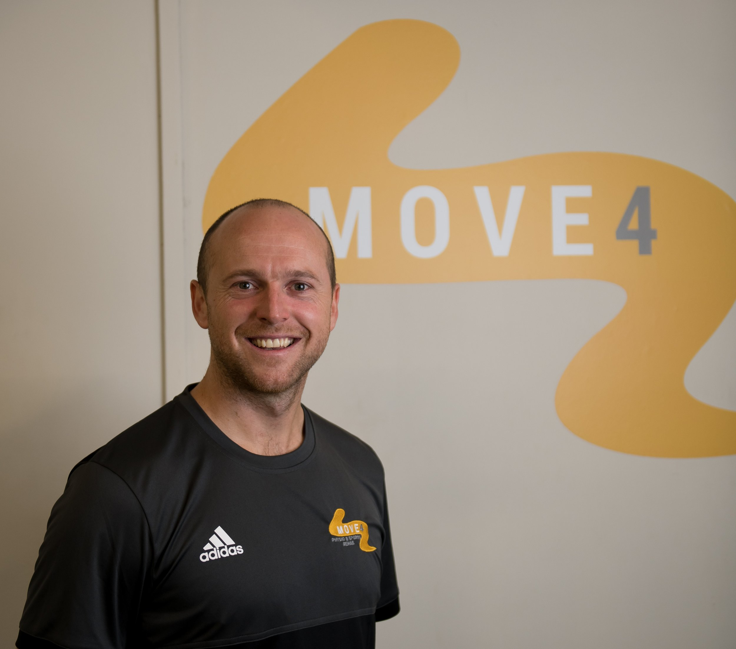 Lee Daggett - BSc (Hons) BA (Hons) MCSPPhysiotherapist at Northampton SaintsEx professional cricketer at Warwickshire CCC and Northamptonshire CCCGraduate in Physiotherapy (Salford University)PGDip Motion Analysis