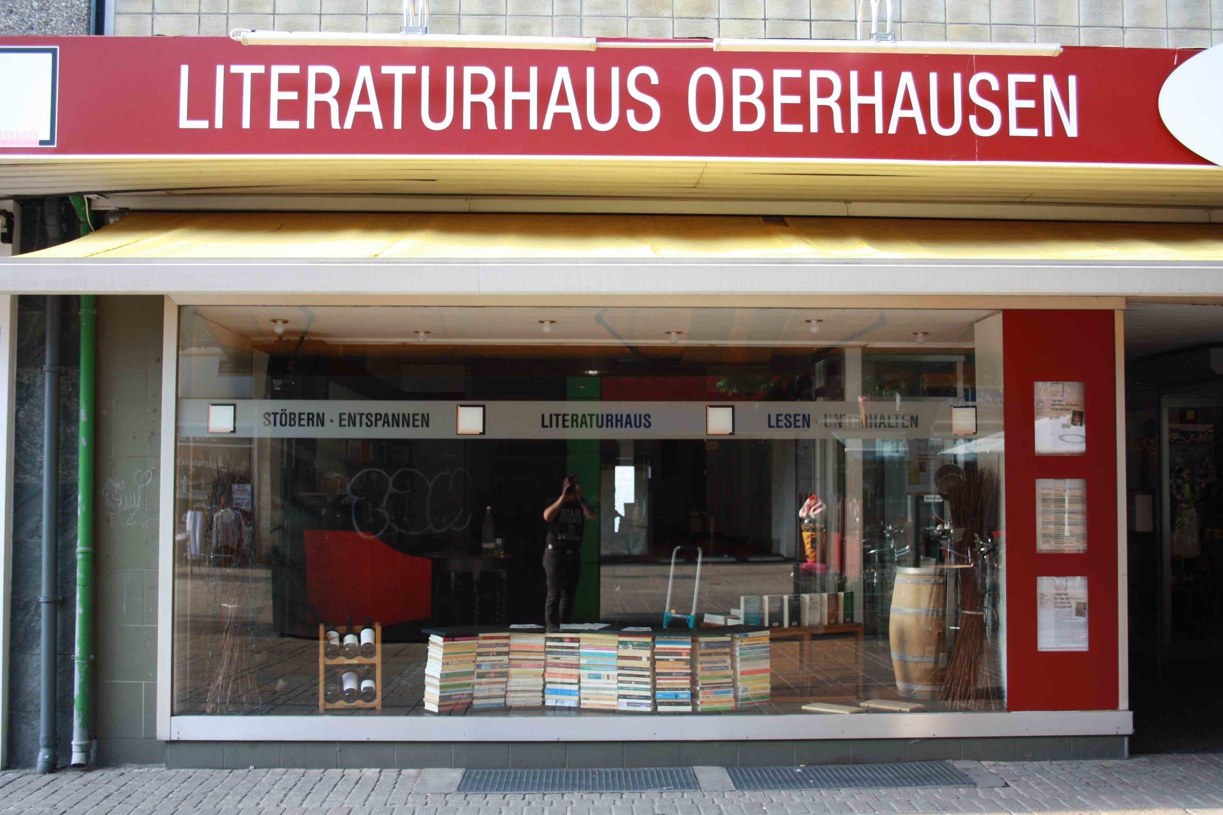 Zu Gast im Literaturhaus - Das Literaturhaus wird auch anderen Veranstaltern für kulturelle Angebote zur Verfügung gestellt.Wenn Sie diese Möglichkeit nutzen wollen, nehmen Sie bitte Kontakt mit uns auf.