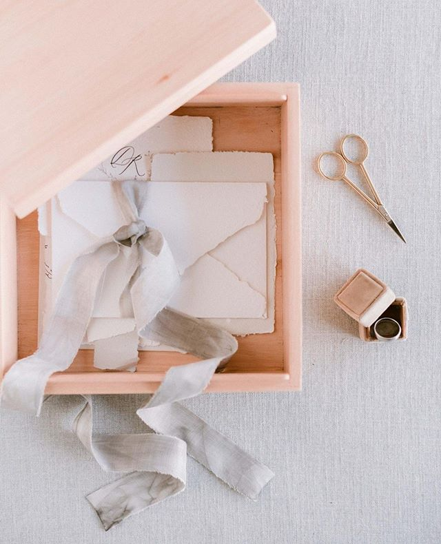 I'm a bit obsessed with stationery the last few days. This combo from Elysian Creative and Papier Handmade is just perfection.