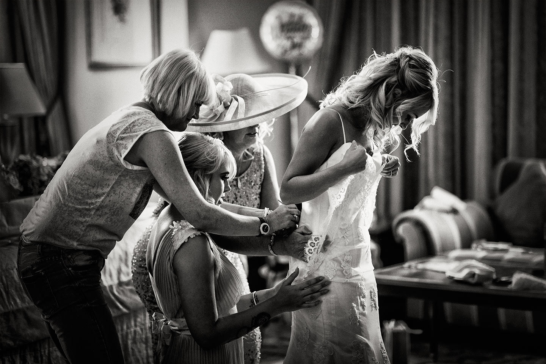 oulton hall-wedding-photogarphy017.jpg