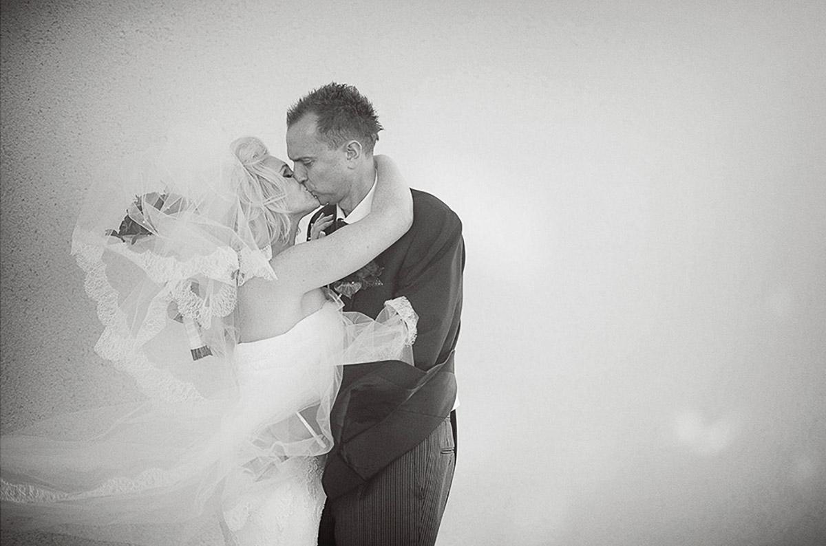 ye olde bell wedding photography.jpg