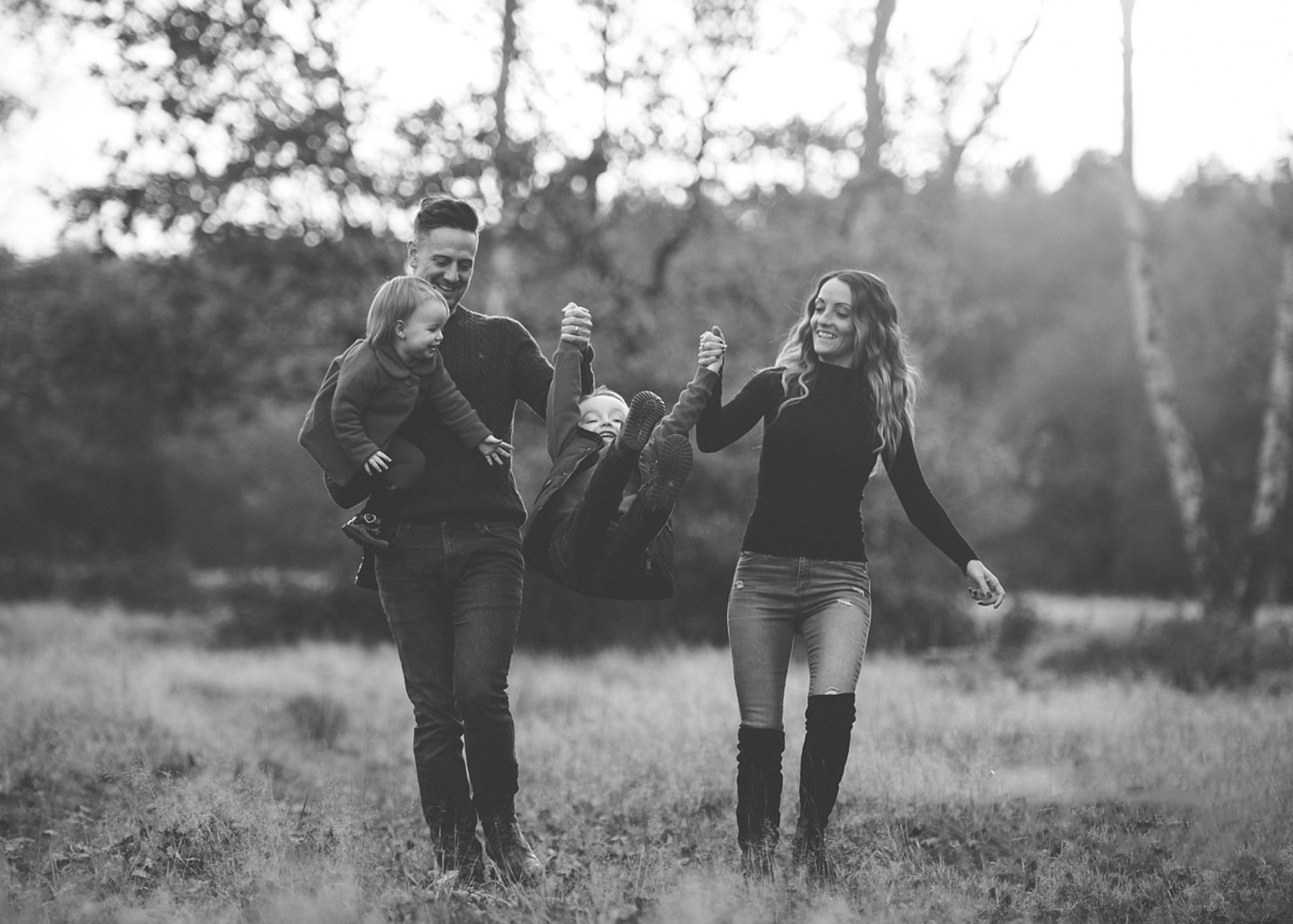 - We couldn't praise Phil enough for the pictures he captured for us,we aren't ones for standing posing and it wasn't like that, very enjoyable and fun to do! Highly recommend we as a family will definitely be using him again. Thanks again Phil x