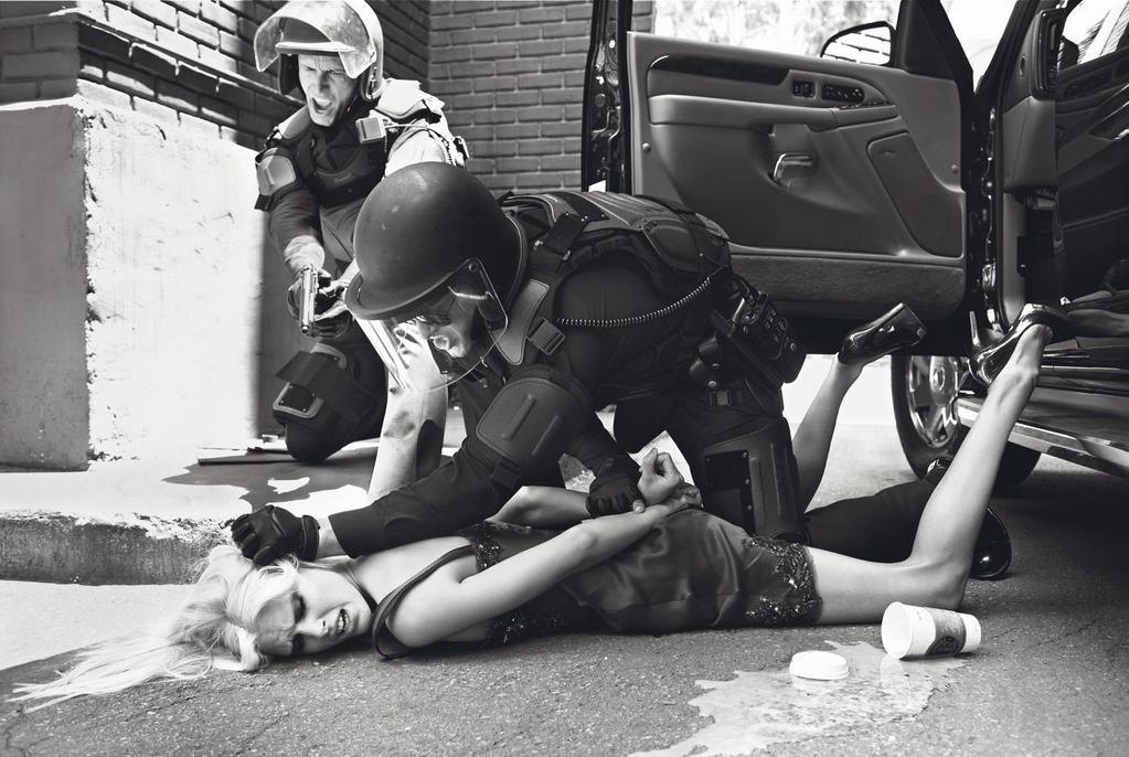 state-of-emergency-by-steven-meisel-1.jpg