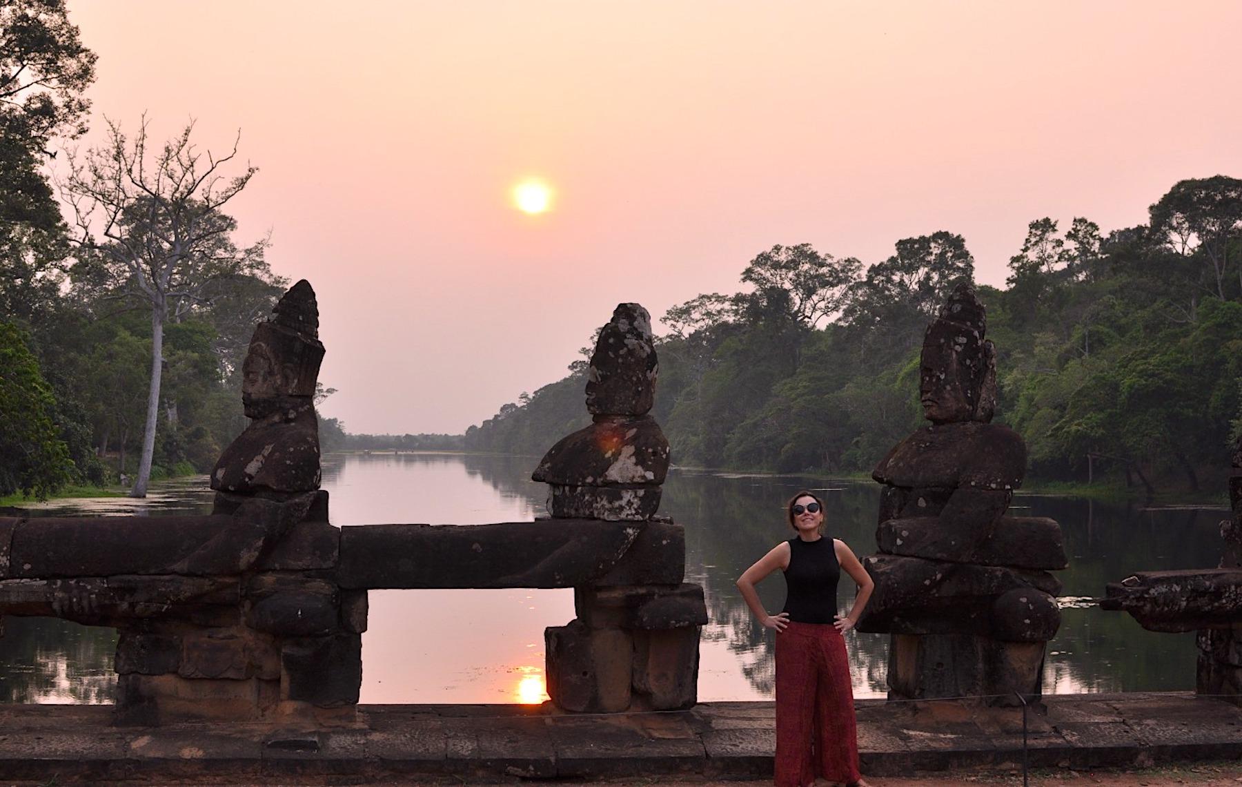 Ponte de Angkor Thom no pôr do sol. Foto: David Mattatia