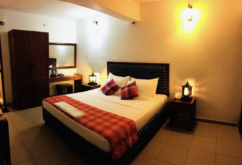 Pinnalanda Hotel room, Sri Lanka. Photo: Patti Neves