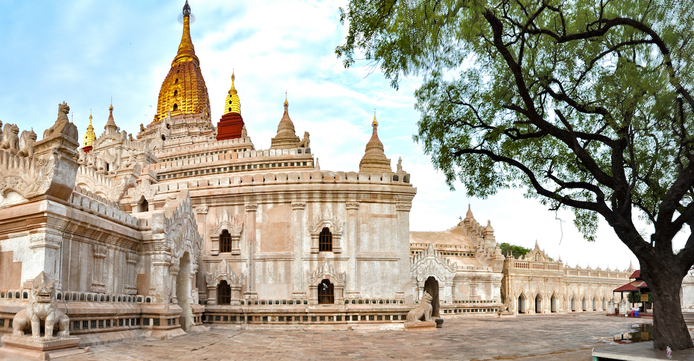 Lateral do Ananda temple, Bagan. David Mattatia