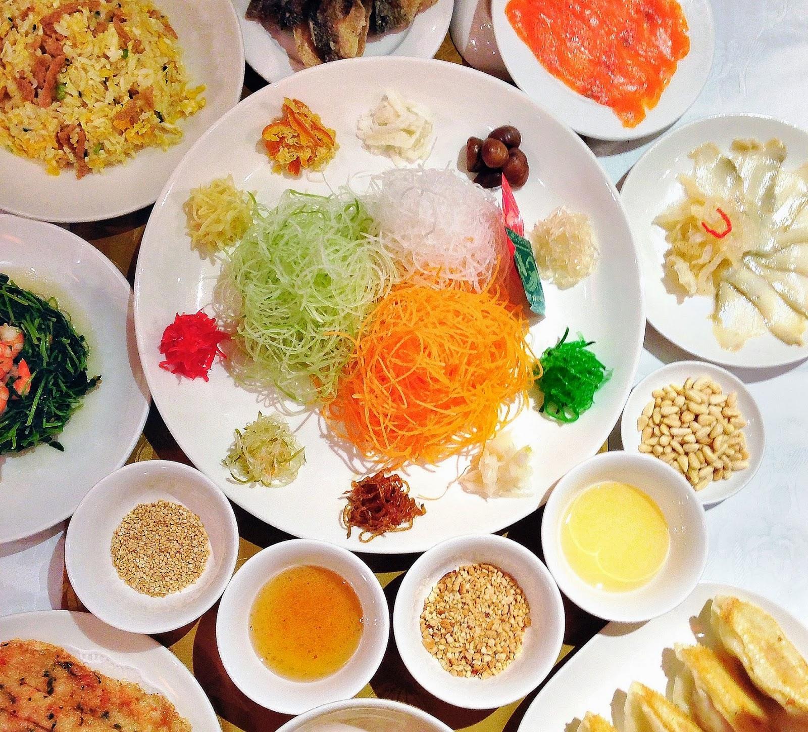 Típica salada de ano-novo chinês. Photo Credit:   NikkiChua
