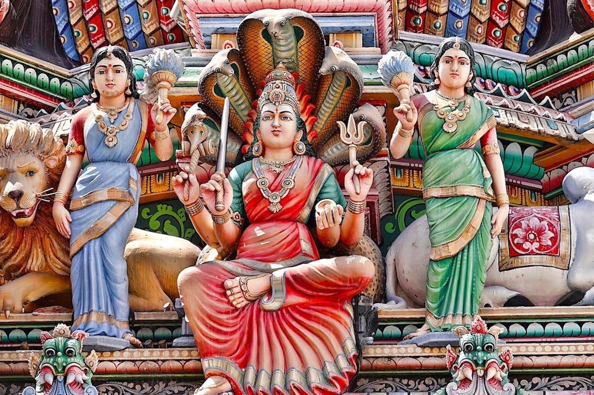 Gopuram do  Sri Mariamann,  em devoção a Mother Goddess.