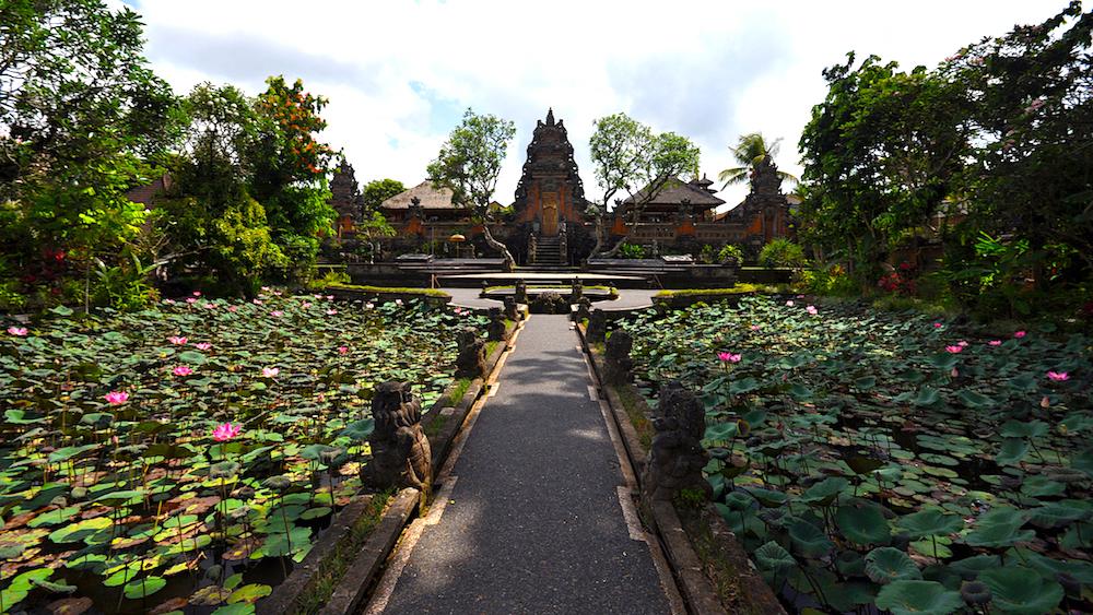 Pura Taman Saraswati, Ubud. Foto: David Mattatia