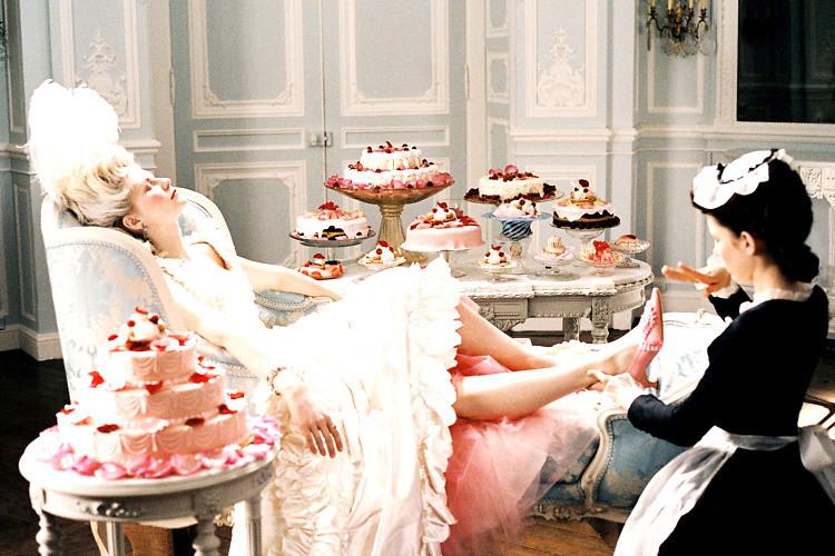 Kirsten Dunst no filme de Sofia Coppola, Marie Antoinette (2006).